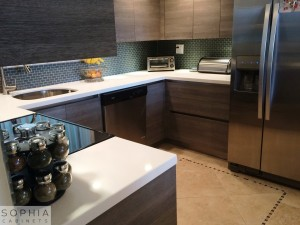Huntington_beach_Modern_Kitchen_Sophia_Cabinets_in_Oregon_Pine00002