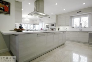 Laguna_Beach_Kitchen_Sophia_Modern_Cabinets_in_Silver_Sand00002