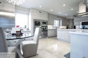 Laguna_Beach_Modern_Kitchen_Sophia_Cabinets_in_Silver_Sand00001