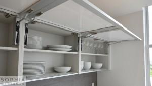 Newport_beach_kitchen_Sophia_Cabinets_in_Oregon_Pine_and_Winter_White00003